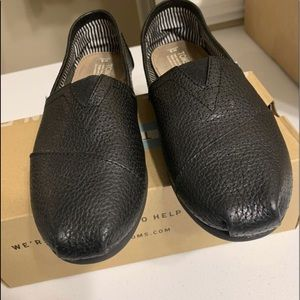 Leather TOMS Men Like New